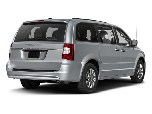 2016 Chrysler Town Country Touring In
